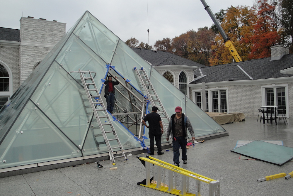 PYRAMID-GLASS-SADDLE-RIVER-011-1