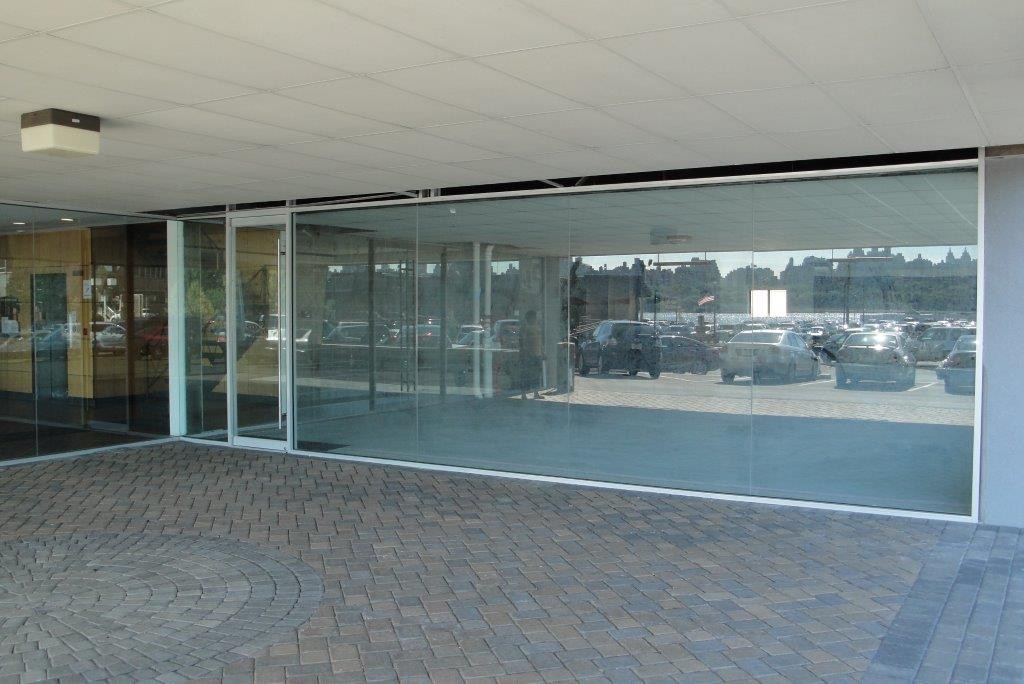 Bergen County Store Front Glass Contractor